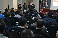 Mesa redonda discute soluções para a crise através de negócios internacionais