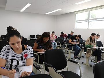 Professores passam por avaliação do Prêmio Acic do Professor neste domingo