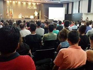Vale do Carbono reúne mais de 200 jovens empreendedores na Acic